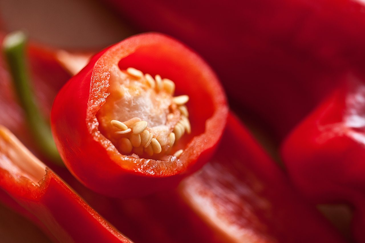 cayenne-pepper-chillies-close-up-35010
